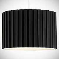 Tu Black Pleated Shade