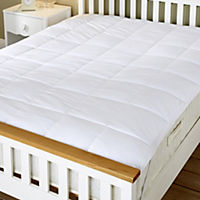 Home Collection Plush Mattress Protector
